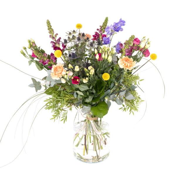Snak je ook naar de zomer? Met dit boeket haal een in een handomdraai de zomer in huis! Gemaakt van de mooiste seizoensbloemen.